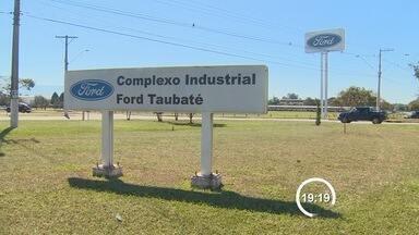 Ford suspende os contratos de trabalho de mais de 100 trabalhadores em Taubaté - Layoff começa na próxima segunda-feira (4) e vai durar cinco meses