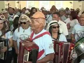 Centenas de sanfoneiros percorrem ruas de Teresina em homenagem a Luís Gonzaga - Centenas de sanfoneiros percorrem ruas de Teresina em homenagem a Luís Gonzaga