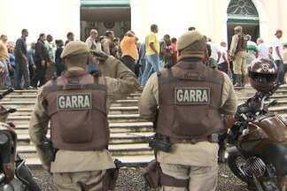 Enterrado corpo de policial morto em tentativa de assalto - Veja mais informações no Giro de Notícias.