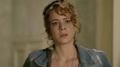Cristina fica surpresa com visita de Tuane - No caminho de casa, Cristina relembra briga com José Alfredo