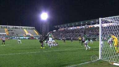 Galo empata com a Chapecoense em Santa Catarina - Atlético-MG perdeu chance de se aproximar do G4