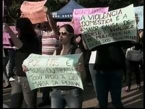 Manifestação pede o fim da violência à mulher em Concórdia - Manifestação pede o fim da violência à mulher em Concórdia