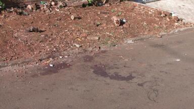 Durante uma briga, pai e filho são mortos no dia dos pais, em Foz do Iguaçu - Um adolescente de 17 anos foi baleado.