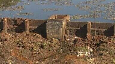 Nível das represas que abastecem Batatais, SP, é preocupante - Moradores enfrentam racionamento de água há três meses. Sem chuva, a situação se agrava a cada dia.