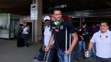 Zagueiro do Galo, Réver passa por cirurgia para correção de lesão - Tornozelo tem incomodado muito o jogador do Atlético-MG.