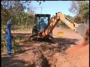 Prefeitura promete entrega do asfalto das Arsos para março de 2015 - Prefeitura promete entrega do asfalto das Arsos para março de 2015