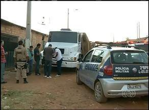 Denúncia leva polícia a caminhão com produtos roubados no Tocantins - Denúncia leva polícia a caminhão com produtos roubados no Tocantins