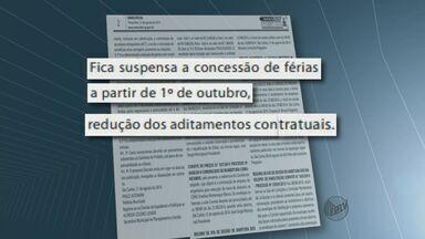 São Carlos anuncia cortes de gastos para cumprir a lei de responsabilidade fiscal - São Carlos anuncia cortes de gastos para cumprir a lei de responsabilidade fiscal.