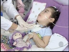 Justiça autoriza família a importar medicamento com derivado de maconha - Remédio com canabidiol deve ajudar no tratamento de menina.