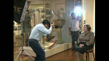 Fotógrafo registra história de pioneiros de Londrina - O fotógrafo e produtor cultural Wilson Vieira está registrando a história de 50 pioneiros, pessoas que nasceram em Londrina ou que chegaram aqui até o ano de 1939. Os registros vão virar exposição fotográfica, livro e documentário.