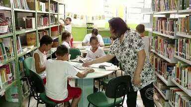 Grupos de leitura em escolas incentivam hábito em estudantes de Resende, RJ - Segundo dados do Governo Federal, adolescentes procuram menos bibliotecas do que crianças à medida que avançam nas séries.