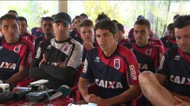 Jogadores do Paraná Clube ameaçam entrar em greve - Jogadores do Paraná Clube ameaçam entrar em greve.