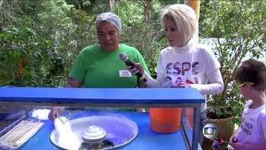 Ana Maria mostra como se faz algodão doce - E manda doce para Louro