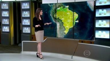 Previsão é de chuva em São Luís (MA) - Apesar da chuva, o calor permanece forte no Maranhão. A temperatura máxima prevista para Porto Alegre é de 26°C, e de 28°C para o Rio.