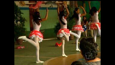 Alunos da Pastoral do Menor realizam Festival Folclórico em Santarém - Evento foi realizado na manhã deste sábado. Eles participaram de apresentações de danças regionais, além das brincadeiras e histórias dramatizadas.