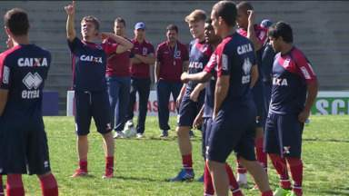 Paraná Clube tem um confronto direto contra o Bragantino - Paraná Clube tem um confronto direto contra o Bragantino