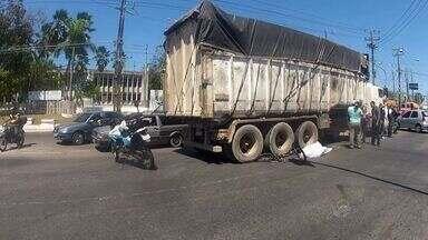 Ciclista morre atropelado em um cruzamento do Bairro Passaré, em Fortaleza - Acidente aconteceu no cruzamento das avenidas Presidente Juscelino Kubitschek e Costa e Silva.