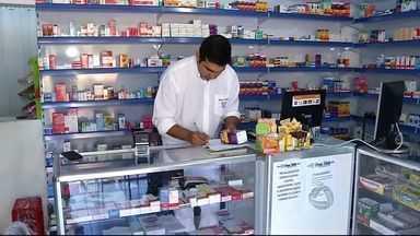 Legislação obriga presença de farmacêuticos em estabelecimentos - Lei entrará em vigor em um mês.