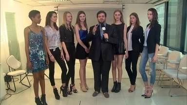 Bruno Astuto visita agência de modelos em SP e conversa com 'discípulas' de Bundchen - Canceriana, top model fala sobre o estudo da astrologia