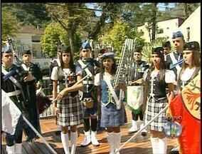 Festival de Bandas Marciais reúne 550 estudantes em Petrópolis, no RJ - Apresentações começam às 17h na Praça Visconde de Mauá, no Centro.Integrantes de 12 bandas vão tocar em ritmos que vão da MPB ao rock.