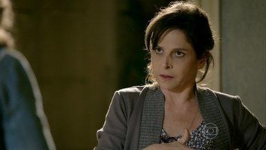 Cora diz a Cristina que Fernando foi à casa de Xana - Cristina não gosta da forma que Cora se refere ao cabeleireiro. Fernando dá um ultimato em Vicente