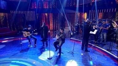 Banda Vitalina Corrêa canta ao lado de Milton Nascimento no palco do Caldeirão - Os jovens músicos se emocionaram ao lado do cantor Mineiro