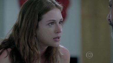 Maria Isis chora com a desconfiança de José Alfredo - O comendador quer saber se a amante está realmente grávida