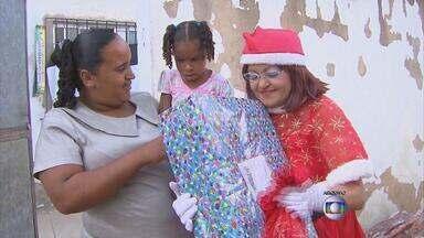 Funcionária dos Correios que se vestia de Mamãe Noel falece no Recife - Durante 17 anos, Gilda Lacerda fez o Natal das crianças pobres mais feliz.