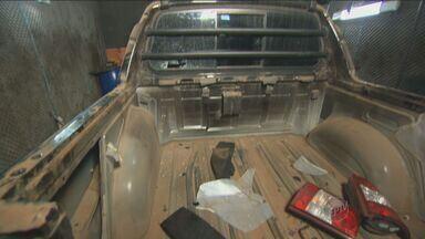 Polícia prende quadrilha suspeita de desmanche de carros em Hortolândia - Onze homens foram presos nesta sexta-feira (5) na Região Metropolitana de Campinas (RMC) suspeitos de pertencerem a uma quadrilha de desmanche de automóveis. Sete deles foram detidos em flagrante em uma casa na Rua Osasco, no bairro Nova Europa, em Hortolândia.