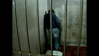 Casal preso suspeito de estuprar e agredir jovem de 18 anos em Santa Maria, RS - Segundo a polícia, a jovem era violentada há oito anos