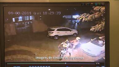 Casal foi assaltado na porta de casa em Campina Grande - Caso aconteceu no bairro do Catolé.