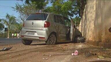 Motorista com sinais de embriaguez perde controle de veículo e atropela homem em Campinas - Acidente aconteceu na manhã deste domingo (7), na região do bairro do Taquaral. O motorista realizou o teste do bafômetro e foi preso.
