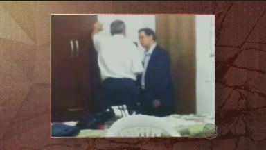 'Fantástico' mostra denúncias de compra de votos por políticos de Paulínia, SP - O prefeito da cidade, Édson Moura Júnior, e o pai dele, Édson Moura, são suspeitos das compras de votos nas eleições de 2012.