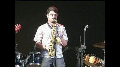 1º Festival de Música Instrumental do Tapajós é realizado em Alter do Chão - Evento também faz parte da programação do Sairé. Músicos da terra e também de outras regiões participaram do show que reuniu música instrumental e regional.