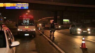 Trânsito: pelo menos 16 pessoas morreram em acidentes no final de semana - Em apenas uma hora 210 veículos foram flagrados acima da velocidade na Freeway, em Glorinha, RS.