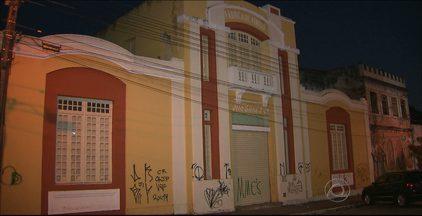 População reclama da situação de abandono do Centro Histórico de João Pessoa - O local é alvo constante do vandalismo e da violência.