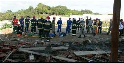 Parte de construção desmorona e deixa 4 trabalhadores feridos em João Pessoa - Segundo o Sindicato da Construção Cívil, a obra não era fiscalizada e estava fora dos padrões de segurança.