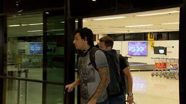 Jogadores do Cruzeiro que estvam a serviço da seleção estão de volta - Veja a chegada dos atletas.