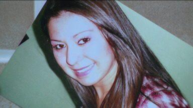 Jovem foi morta a facadas pelo tio - Um crime violento! Uma jovem de apenas vinte e um anos foi morta a facadas, dentro de casa, pelo tio.