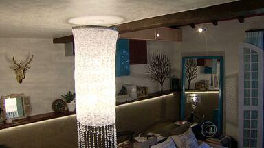 Móveis e objetos antigos ganham nova roupagem e viram moda nas decorações - Objetos dão tom especial a espaços