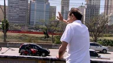 Paulo Skaf faz caravana pela Marginal Pinheiros - O candidato Paulo Skaf fez campanha neste sábado (13), em São Paulo.