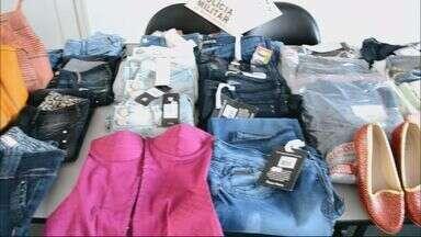 Mãe e filha são presas após furtarem roupas em Itajubá - Mãe e filha são presas após furtarem roupas em Itajubá