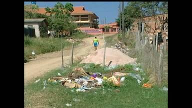 Em Monte Alegre, moradores cobram coleta de lixo no bairro Pajuçara - Segundo morador, lixo não é coletado há mais de seis meses.