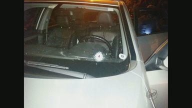 Ex-judoca Branco Zanol sofre tentativa de homicídio Miguelópolis, SP - O atleta informou à polícia que dirigia o carro em uma estrada rural quando um suspeito passou em outro veículo e efetuou os disparos. Zanol não se feriu.