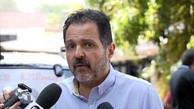Agnelo Queiroz promete incentivar produção rural no DF - Agnelo Queiroz (PT) se encontrou com agricultores. Disse que vai incentivar a produção rural com a regularização de terras e mais oferta de crédito. Também falou que pretende expandir áreas habitacionais do DF, com planejamento urbano.