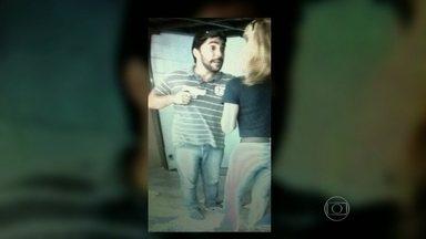 Polícia Civil procura homem acusado de praticar saidinha de banco em Ipanema - Câmeras de segurança flagraram o criminoso roubando uma mulher que tinha acabado de sair do banco. Segundo a polícia, ele observou a cliente dentro de uma agência bancária.