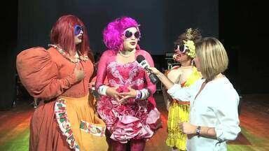 Teatro Deodoro é palco de espetáculo beneficente com seis humoristas - A renda da bilheteria vai ser revertida para ajudar no tratamento de saúde de dois funcionários do teatro.