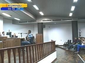 Homem acusado de matar adolescente é julgado; veja giro de notícias - Homem acusado de matar adolescente é julgado; veja giro de notícias