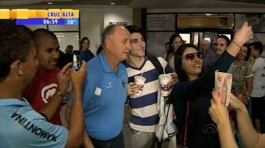 Futebol: Grêmio enfrenta mais um julgamento no pleno do STJD - O time espera ter pena reduzida e voltar à Copa do Brasil. Tricolor está em Porto Alegre para treinar, mas volta ao Rio de Janeiro no sábado (27) para enfrentar o Botafogo no domingo (28).