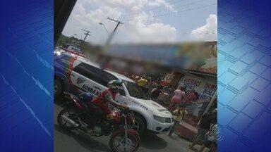 Homens invadem comércio e matam empresário a tiros em Manaus - Quatro tiros de duas armas de fogo atingiram cabeça e tórax do homem.Polícia diz que crime tem características de acerto de contas.